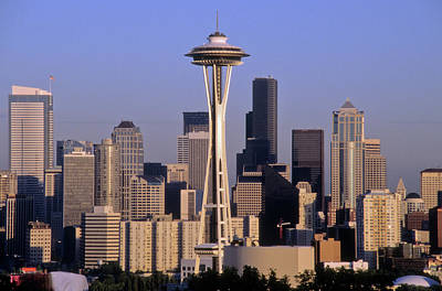 Photograph - Seattle Skyline With Space Needle by Frank DiMarco