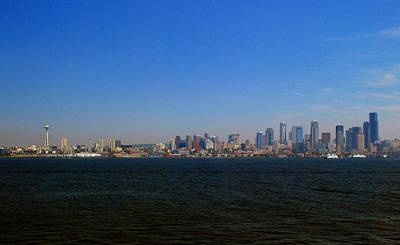 Photograph - Seattle Skyline And Space Needle by Gary Wonning