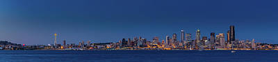 Photograph - Seattle Skyline In Twilight With Clear Sky by William Lee
