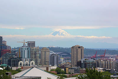 Photograph - Seattle Skyline With Mt Rainier In Clouds by David Gn