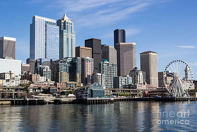 Photograph - Seattle Waterfront by Suzanne Luft