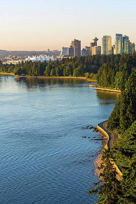 Photograph - Seawall Along Stanley Park In Vancouver Bc by David Gn