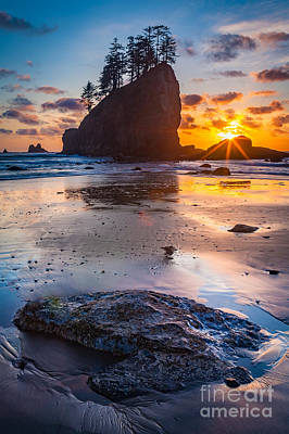 Clean Ocean Photograph - Second Beach Rock by Inge Johnsson