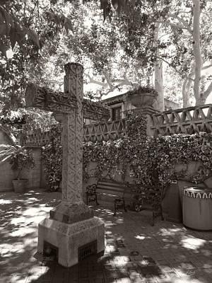 Photograph - Sedona Cross, Monochrome by Gordon Beck