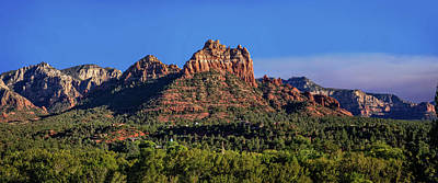 Photograph - Sedona Smoky Horizon Panorama by Lynn Bauer