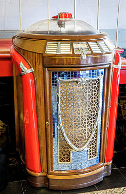 Photograph - Seeburg - Trashcan - Jukebox by Gene Parks