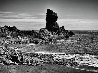 Photograph - Sentinel At Black Pearl Beach by C H Apperson
