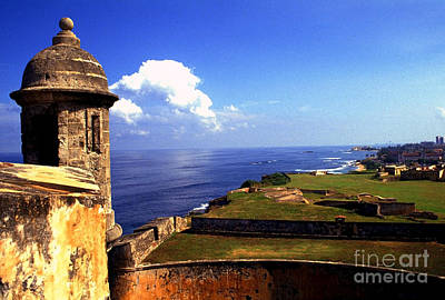 Sentry Box And Sea Castillo De San Cristobal Art Print by Thomas R Fletcher