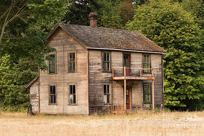 Photograph - Sequim Old House by Louise Magno