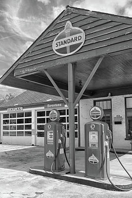 Photograph - The Old Filling Station by Victor Culpepper