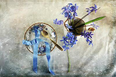 Photograph - Serving You Blue by Randi Grace Nilsberg