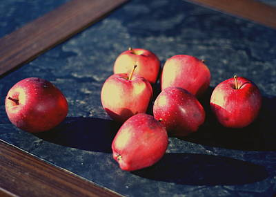 Photograph - Seven Apples by Susie DeZarn