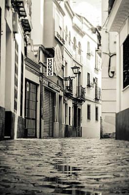 Monochrome Photograph - Seville - Santa Cruz Quarter by Andrea Mazzocchetti