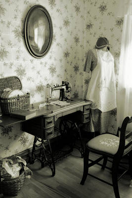 Photograph - Sewing Room by Scott Kingery