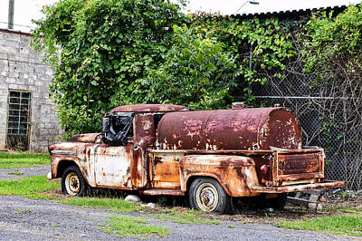 Photograph - Shades Of Rust by Linda Brown