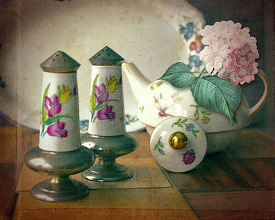 Photograph - Shakers And Hydrangea by Larry Bishop