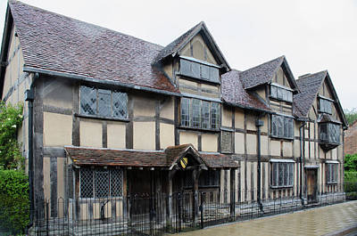 Stratford Photograph - Shakespeare's Birthplace by Bob Cuthbert