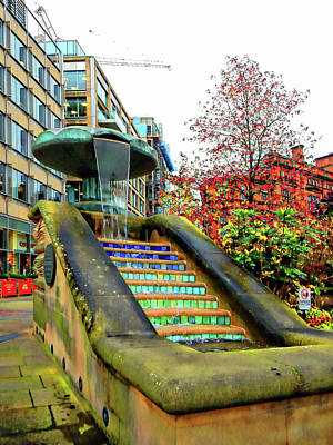 Photograph - Sheffield Peace Gardens Fountain by Dorothy Berry-Lound