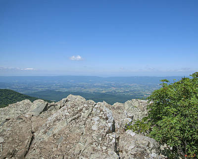 Photograph - Shenandoah Valley From Little Stoney Man Mountain Ds0061 by Gerry Gantt