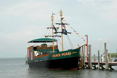 Pirate Haven Photograph - Ship 16 by Joyce StJames
