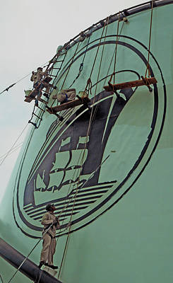 Photograph - Ship Painters 2 by Ron Kandt