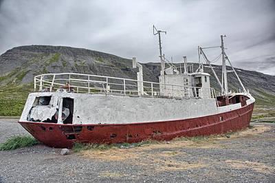 Photograph - Shipwreck, Bl9a9502-7 by Wally Hampton