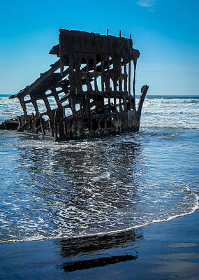 Peter Iredale Photograph - Shipwreck With Blue Sky by Amy Anderson