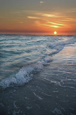 Photograph - Shoreline Sunset by Renee Hardison