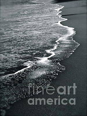 Photograph - Shorelineb/w by Mary Kobet