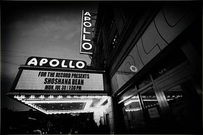 Photograph - Shoshana At The Apollo 5613 B by Dave Beckerman