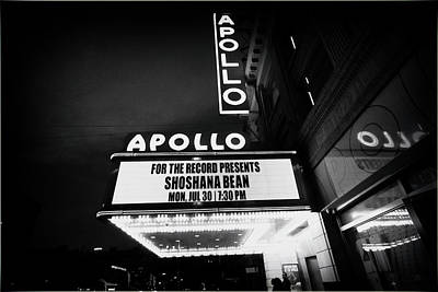 Photograph - Shoshana At The Apollo 5649 Bw2 by Dave Beckerman