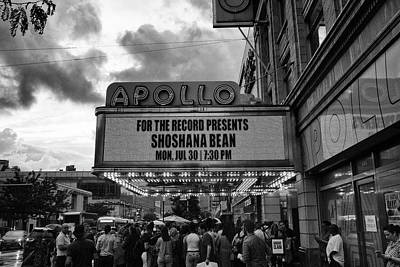 Photograph - Shoshana At The Apollo Rain 5544 Bw2 by Dave Beckerman