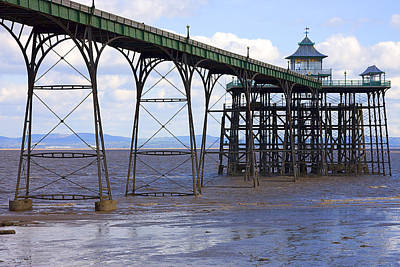 Clevedon Photograph - Show Us Your Legs by Terry Walters