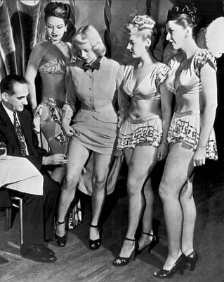 Showgirl Photograph - Showgirls Get Smallpox Shots by Underwood Archives
