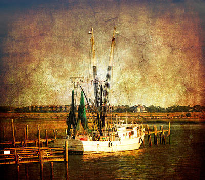 Shrimp Boat In Charleston Art Print