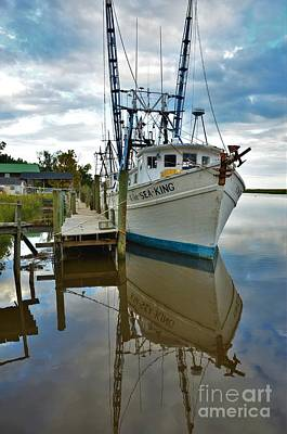 Photograph - Shrimpers In For The Day -1 by Bob Sample