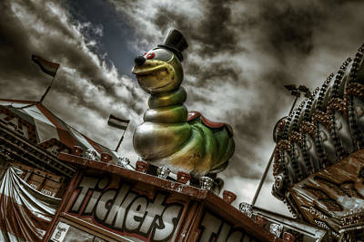 Photograph - Sideshow Grub by Wayne Sherriff
