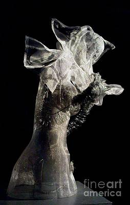 Sculpture - Sideview by Lydie Dassonville