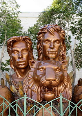 Photograph - Siegfried And Roy by David Nicholls