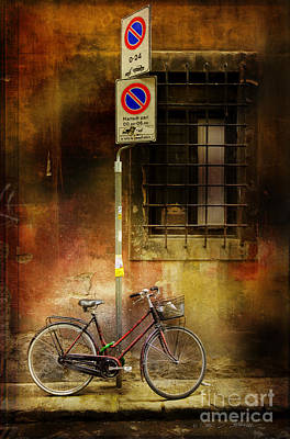 Art Print featuring the photograph Siena Bicycle by Craig J Satterlee