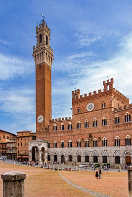 Photograph - Siena City Hall And Tower by Carolyn Derstine