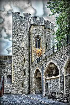 Photograph - Sights In England - Castle by Walt Foegelle