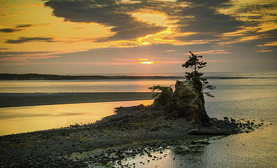 Photograph - Siletz Bay Sunset by Don Schwartz