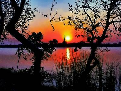 Photograph - Silhouette Sunset by Ian Gledhill