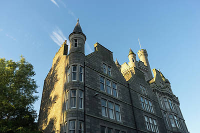 Photograph - Silver City Architecture - Castlegate Citadel In Aberdeen Highlighted By The Morning Sunshine by Georgia Mizuleva