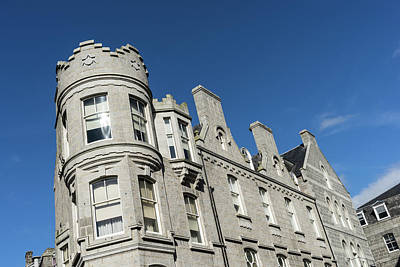 Photograph - Silver City Architecture - Crenellated Castle Style Facade In Aberdeen by Georgia Mizuleva