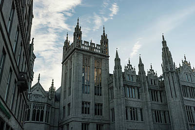 Photograph - Silver City Architecture - The Magnificent Marischal College At Sunrise by Georgia Mizuleva