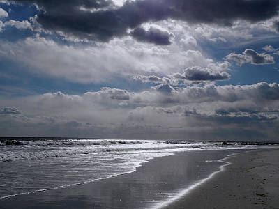 Photograph - Silver Linings Trim The Sea by Lynda Lehmann