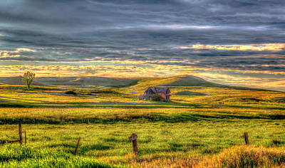 Little House On The Prairie Photograph - Sims House 18 by Chad Rowe
