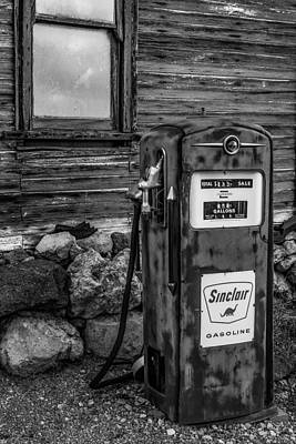 Photograph - Sinclair Gas Pump Bw by Susan Candelario